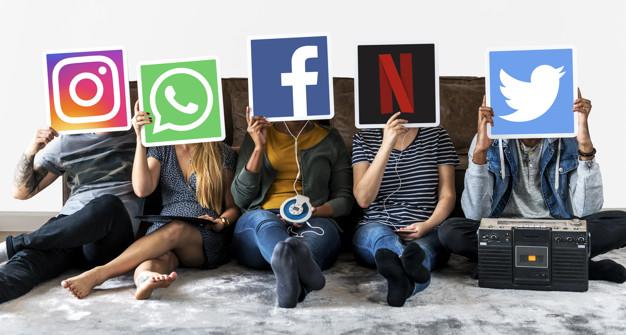 ادمین شبکه های اجتماعی 5
